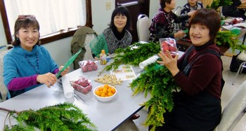 ladies 2012 christmas 006 (640x342).jpg